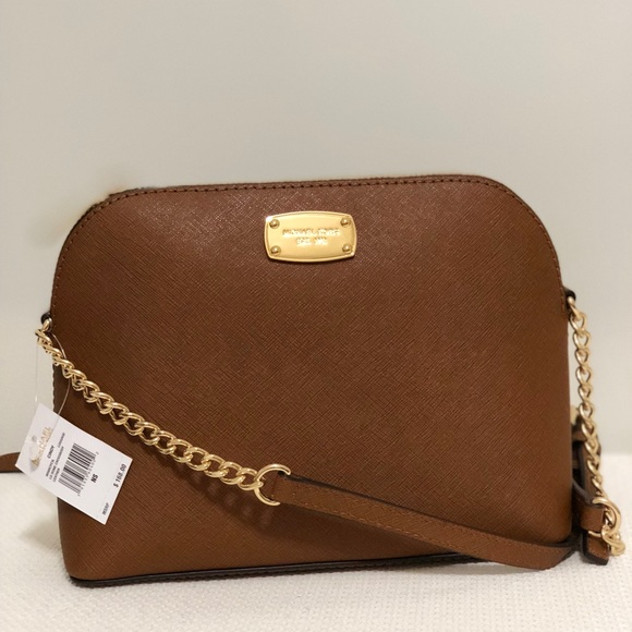 9dc19a8f0429 🌟New Authentic Cindy Lg Dome crossbody 🌟